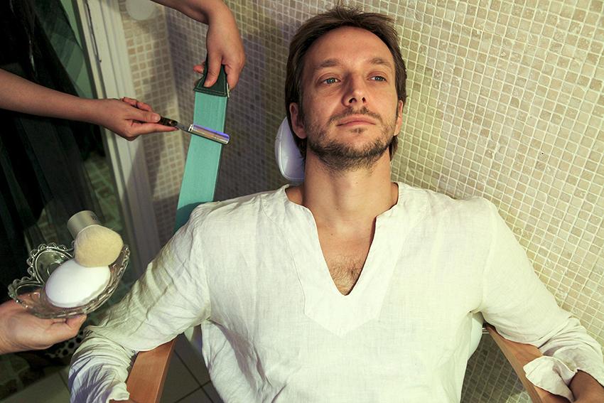 Barbier rasage et entretien barbe et moustache for Salon esthetique homme paris